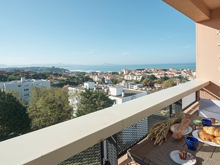 Amazing view for 5 PAX+2 children, close to beach, Biarritz