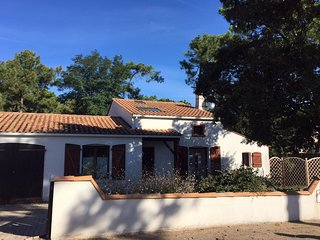 Family Friendly Holiday Home, close to beach at La Tranche sur Mer