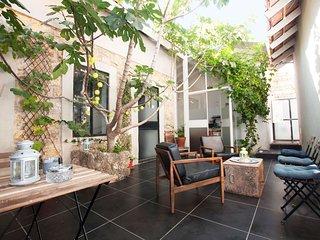Charming house Neve Tsedek-17 guests-5min beach#N6