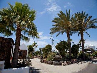 4 bedroom Villa in Playa Blanca, Canary Islands, Spain : ref 5691305