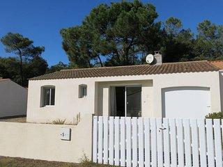 2 bedroom Villa in La Tranche-sur-Mer, Pays de la Loire, France - 5448141
