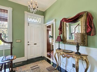 Private Elegance in Starland VIctorian District Townhome
