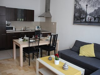 Two-bedroom apartment, Dob utca 16.