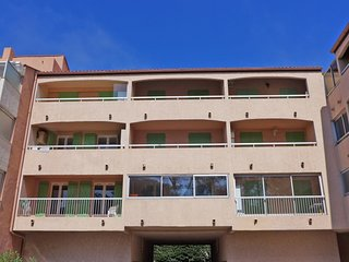 1 bedroom Apartment in Saint-Aygulf, France - 5051895