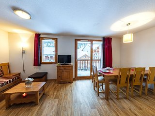 2 Bedroom Duplex Alcove Apartment Perfect for Large Groups up to 10!