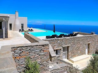 4 bedroom Villa in Mavrampéli, Greece, Greece : ref 5433456