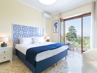Donna Margherita Apartment - Sorrento center, Seaview & Terrace
