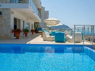 Kalkan Villa Sleeps 16 with Pool and Air Con - 5433451