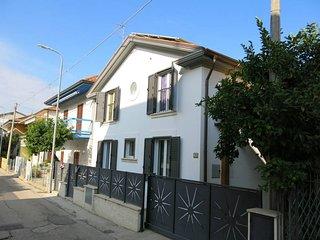 6 bedroom Villa in Alba Adriatica, Abruzzo, Italy : ref 5444891