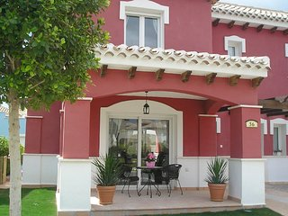 Luxury 2 Bed Villa with Private Pool South Facing/Free Wifi/Fully Air Condtioned