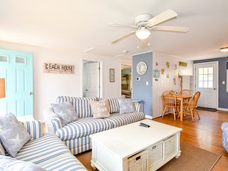#906 Portside Five A: Newly updated condo; minutes from the beach!