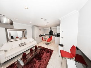 Malthouse Court, 118 Chatham Street, Reading, RG1 7HT - Penthouse in Reading