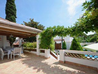 Begur Villa Sleeps 8 with Pool and Air Con - 5313752