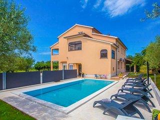 3 bedroom Apartment in Zgrabljici, Istria, Croatia : ref 5687702