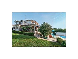 4 bedroom Villa in Premantura, Istarska Županija, Croatia - 5563938