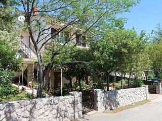 2 bedroom Apartment in Kornić, Primorsko-Goranska Županija, Croatia : ref 565064
