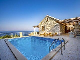 4 bedroom Villa in Prigradica, Croatia - 5554089