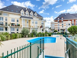 3 bedroom Apartment in Houlgate, Normandy, France : ref 5513445