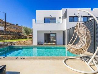 Lindos Villa Sleeps 4 with Pool Air Con and WiFi - 5402635