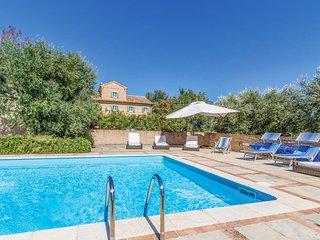 5 bedroom Villa in Casa Albonetti, Marche, Italy : ref 5688047