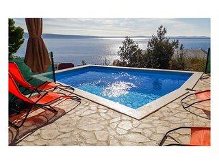 2 bedroom Apartment in Jesenice, Croatia - 5542748