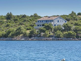1 bedroom Apartment in Hvar, Splitsko-Dalmatinska Zupanija, Croatia : ref 551595