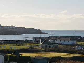 66427 House situated in Trearddur Bay
