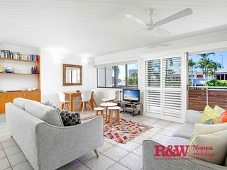 Apartment 2 'Soundhaven', Noosa Parade