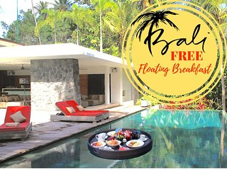 FREE BREAKFAST!*LUXURY*6BED/6BATH*VILLA UTOPIA*OPEN VIEW*TANAH LOT