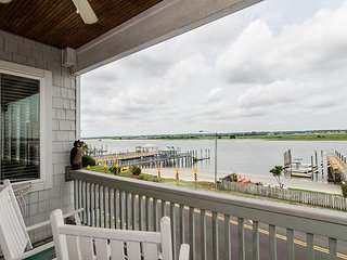 Enjoy spectacular sound views from your soundfront town home or boat dock