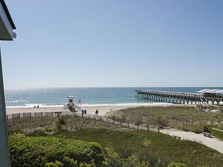 Enjoy this oceanfront townhouse with boat slip/dock/sandy beach on sound!