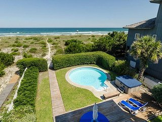 Welcome to Paradise!  Oceanfront with a pool.