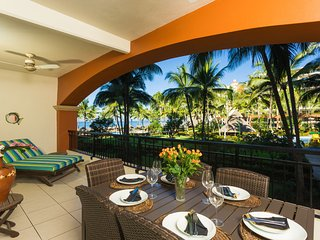 Amazing BEACHFRONT condo with large balcony!  Wifi. Playa Royale resort.