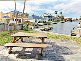 Aransas Bay & Canal Views! 3BR w/ Private Boat Dock in Key Allegro