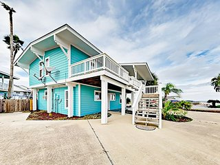 Newly Renovated 3BR Canal Front Home w/ Boat Dock in Key Allegro
