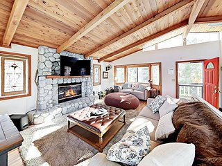 5 Mins to Skiing & Lake! Remodeled 2-Story Home w/ Decks, Grill & Views