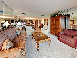 3BR w/ Oceanfront Views & Private Balcony - Steps to Beach, Dining & Shops