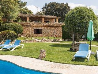 Petit - hübsches Haus mit Pool und tollem Blick auf das Kloster