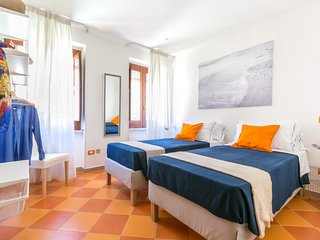 Family home with Terrace - Terrace & Comfort in Sorrento Old Town