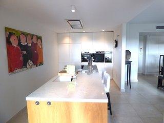 Capanes Luxury Holiday Rental - Spacious 4 bed groundfloor apt