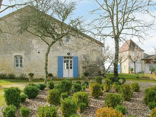 6 bedroom Villa in Beauville, Nouvelle-Aquitaine, France : ref 5690557