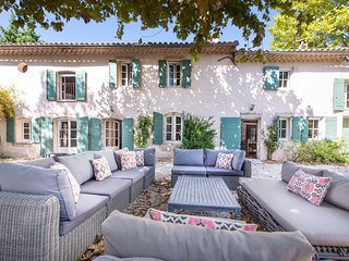 5 bedroom Villa in Barbentane, Provence-Alpes-Cote d'Azur, France : ref 5683853