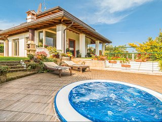 3 bedroom Villa in Lazise, Veneto, Italy - 5688050