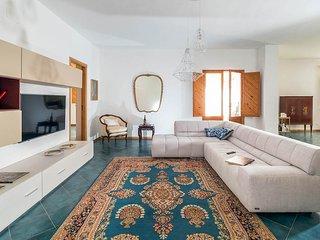 Culcasi Villa Sleeps 14 with Pool and Air Con - 5690960