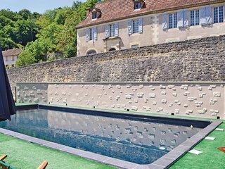 2 bedroom Apartment in Les Eyzies-de-Tayac-Sireuil, France - 5534341