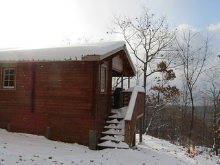 Sarah Lesley Cabin/off grid/very private