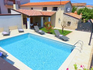 2 bedroom Villa in Valtura, Istria, Croatia : ref 5691639