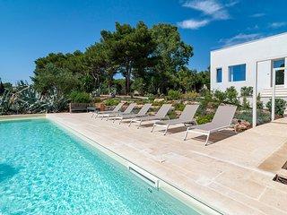 3 bedroom Villa in Lecce, Apulia, Italy : ref 5688506