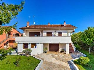 1 bedroom Apartment in Umag, Istarska Županija, Croatia : ref 5052565