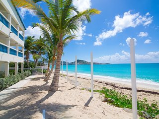 CARIBBEAN SUN... Charming Beachfront Condo on Simpson Bay,  Perfect for Couples!
